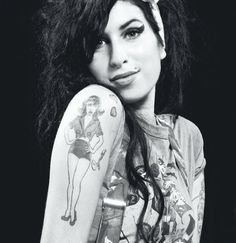 amy winehouse RIP you are the shit forever. love your music so much. wish you could still make more! your voice is so amazing i will never get over how beautiful your talent was.