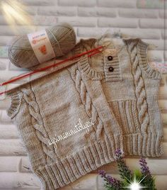 It's a beautiful baby vest. Baby Knitting Patterns, Knitting Stitches, Baby Patterns, Baby Boy Sweater, Knit Baby Sweaters, Knitted Baby Clothes, Crochet For Boys, Knitting For Kids, Crochet Yarn