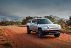 """tendie-defender: """"Michigan based electric car company Rivian will be releasing a electric truck in 2021 to compete with Tesla. The truck will. Electric Pickup, Electric Truck, Peugeot, Digital Dashboard, Best Amazon, Amazon Deals, Car Buyer, Hummer, Travel Light"""
