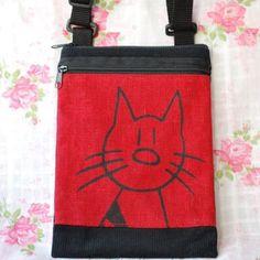 Vakosamettinen #olkalaukku #kissaprintillä. Small #corduroy #shoulderbag with #catprint . #handmade #cat#kissa