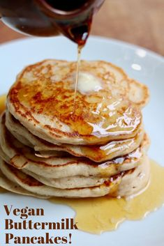 These vegan buttermilk pancakes are super tasty, perfectly fluffy and have the best texture! Just 10 ingredients for the best Vegan pancakes any morning! Easily doubled for your family and friends. Best Vegan Pancakes, Vegan Pancake Recipes, Pancakes Easy, Breakfast Pancakes, Whole Food Recipes, Vegan Recipes, Vegetarian Pancakes, Vegan Food, Fluffy Pancakes