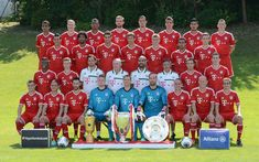 Fc Bayern Munich Players Pictures and Videos Picture Video, Photo And Video, Fc Bayern Munich, New Twitter, Professional Football, Team Photos, Football Team, Soccer Teams, Liverpool Fc