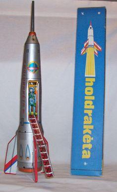 Holdraketa Rocket tin toy made in Hungary