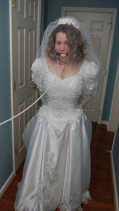 52 tolle Bilder auf Bride in 2019  Brautpartys Verkleiden und Braut und brautjungfern