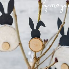 DIY bunny made of branches - DIY - Mayodans Home, Garden & Crafts: DIY bunnies made from branches - Diy Home Crafts, Garden Crafts, Wood Crafts, Diy Garden, Happy Easter, Easter Bunny, Diy For Kids, Crafts For Kids, Diy Ostern