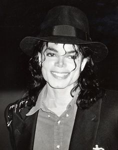 #wattpad #fanfiction This short story takes place in Michael's Bad Era, right after Michael had finished The Way You Make Me Feel music video with Tatiana. You are Michael's close friend in this story, you know him personally.. a bit too close I should say. This is also in the POV of you for the entirety of the story...