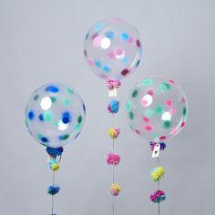 HAPPY BALLOONS @ www.unelefante.mx // #fireworks #bubbleballoons #balloons #garland