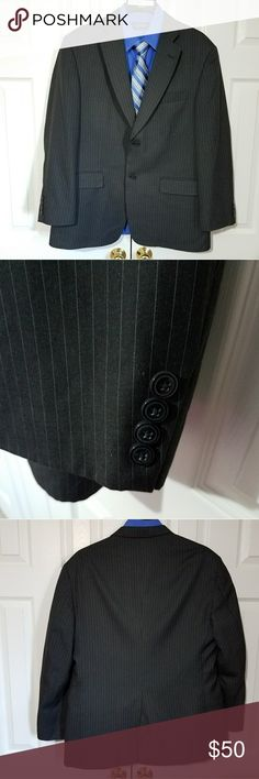 Haggar 44R Black Pinstripe Sport Coat Gently worn and well taken care of. The Q on the inside is not an initial. It is Haggars marking of Quality. No other imperfections were found.  ***SHIRT NOT INCLUDED***  Measurements taken while laying flat: Size: Tag missing 44R Color: Black Material: 65%Polyester 35% Viscose Rayon Chest (Underarm to Underarm): 23.5 Waist: 22.5 Length (From Bottom of Collar): 31 Sleeves (Top of shoulder to end of cuff): 24.5 Shoulders (Seam to seam): 20 Vent: Single…