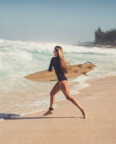 Surf :: Ride the Waves :: Free Spirit :: Gypsy Soul :: Eco Warrior :: Surf Girls :: Seek Adventure :: Summer Vibes :: Surfboard Design + Style :: Free your Wild :: See more Untamed Surfing Inspiration Untamed Organica Fuente by untamedelemnts No Wave, The Beach, Beach Bum, Ocean Beach, Surf Girls, Surf Workout, Workout Style, Voyager C'est Vivre, Hawaii Surf