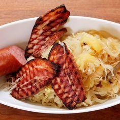 Zuurkool met gegrild Zeeuws spek - recept - okoko recepten