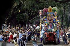 Image from http://blogs.aupairinamerica.com/nol/wp-content/uploads/sites/18/2014/02/NOLmardigras.jpg.