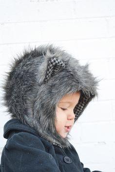 Fur Animal Hood Pattern and Tutorial // lemon squeeze home  …shared by Vivikene