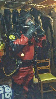 Your kinkiest organ is your brain. Sexy Biker Men, Sexy Military Men, Diving Suit, Scuba Diving, Technical Diving, Hazmat Suit, Scuba Girl, Heavy Rubber, Underwater World