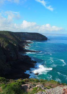 A coastal walk along the Emerald Coast in Brittany Study French, European Countries, European Travel, Natural Wonders, Creative Inspiration, Brittany, Holiday Ideas, Emerald, Coastal