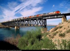 RailPictures.Net Photo: ATSF 800 Atchison, Topeka & Santa Fe (ATSF) GE C40-8W (Dash 8-40CW) at Topock, Arizona by Steve Schmollinger