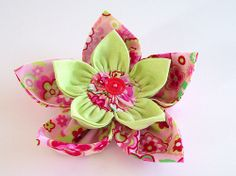 Fabric flower tutorial part 2 - now I know why a double kanzashi flwr doesn't work...
