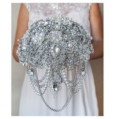 BROOCH BOUQUET. Bridal bouquet, crystal pearls wedding brooch bouquet, jeweled bouquet, cascading bouquet, rich bouquet, jewelry bouquet by TatyanaAgulina on Etsy