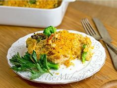 Cracker Barrel Cheesy Chicken and Broccoli by The Midnight Baker. Cracker Barrel Cheesy Chicken and Broccoli is a great copycat of the restaurant original. Cheesy Chicken And Broccoli Recipe, Broccoli Cheddar Chicken, Broccoli Bake, Chicken Recipes, Fresh Broccoli, Broccoli Casserole, Broccoli Recipes, Cheesey Chicken, Gourmet Chicken