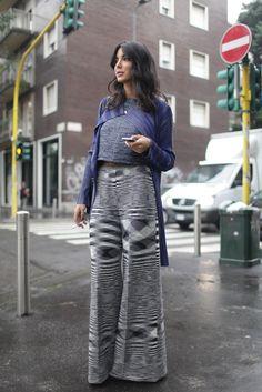 Prints in street style. Milan Fashion Week Spring 2015 [Photo by Kuba Dabrowski] Elle Fashion, Hijab Fashion, Fashion News, Fashion Outfits, Milan Fashion Week Street Style, Fashion Week 2015, Inspiration Mode, Fashion Inspiration, Street Chic