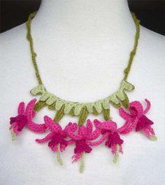 crochet fushia necklace by meekssandygirl...