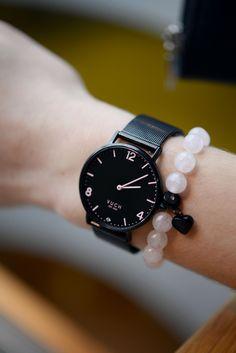 exclusive black womens handbag from Vuch Dream Watches, Wallets For Women, Metallica, Mercury, Fashion Accessories, Handbags, Jewellery, Stylish, Silver