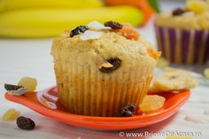 Vegetarian muffins with bananas cinnamon and candied fruits. (in Romanian with translator) Brunch Recipes, Cake Recipes, Vegetarian Muffins, Great Recipes, Favorite Recipes, Good Food, Yummy Food, Grilled Cheese Recipes, Food Allergies