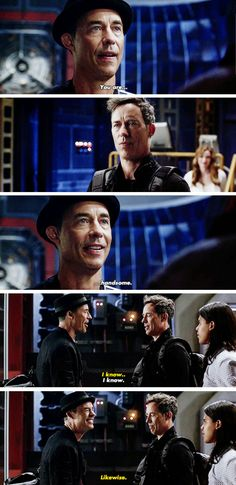 ...when you literally fangirl over yourself for being handsome. #TheFlash #Season3 #3x04
