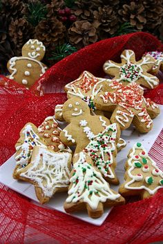 You will find here various recipes mainly traditional Romanian and Mediterranean, but also from all around the world. Caramelized Sugar, The Turk, Romanian Food, Vanilla Sugar, Gingerbread Cookies, Traditional, Drinks, Recipes, Sweets