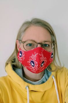 Sew the mask with filter - how does it work? - Sew a fabric breathing mask yourself 💡 How it works ✅ With a filter bag ✅ Step by step sewing instructions ✅ PDF sewing pattern ✅ Suitable for beginners ✅ Sewing Patterns Free, Free Sewing, Free Pattern, Sewing Tutorials, Pattern Sewing, Purse Patterns, Poncho Crochet, Diy Masque, Breathing Mask