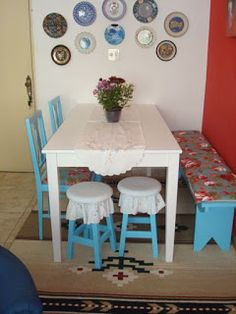 Consider These Tips When Buying Dining Room Furniture Room Interior, Interior Design Living Room, Living Room Designs, Living Room Decor, Indian Home Decor, Small Dining, Dining Room Furniture, Plates On Wall, Kitchen Decor