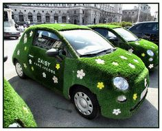 "New Fiat 500 ""DAISY"" by Marc Jacobs  Love the purfume...Love the Car!!!"