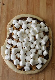 Peanut Butter S'mores Pizza I You'll be devouring this in front of a backyard fire in under 10 min I Spoon University