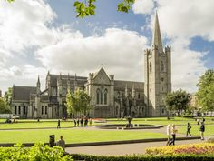 Our Scots Irish Discovery Tour lets your experience history of province of Ulster and find your connection to your Ulster-Scots heritage scotsirish Ireland Vacation, Ireland Travel, Dublin Ireland, Saint Patrick, St Patricks Cathedral Dublin, Stay In A Castle, National Botanical Gardens, Visit Dublin, Travel