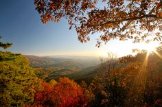 VISIT THE GREAT SMOKY MOUNTAINS OF TENNESSEE