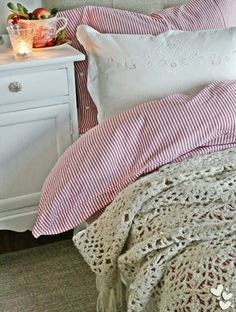 Love this combination of warm fine stripes and oatmeal crochet, cosy and elegant (Via Ladybug Cottage)