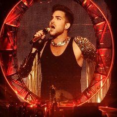 Great pics! RT @katzolicious: leahburgz - Queen + Adam Lambert Winnipeg http://instagram.com/p/piT9BUSpEI/ http://instagram.com/p/piS0msypDL/ pic.twitter.com/bWRUpKl5zM