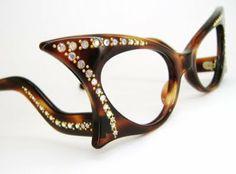 1950s Winged Tortoise Cat Eye With Aurora Rhinestone Eyeglasses Frame