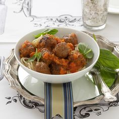 Spaghetti & Meatballs with a Tomato/Butternut Sauce Spaghetti And Meatballs, Tandoori Chicken, Pasta Recipes, Mashed Potatoes, Main Dishes, Curry, Diet, Vegetables, Ethnic Recipes