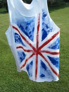 DIY British flag shirt! Easy! All you need is waterproof paint, a cute cropped tang top, and a ruler!