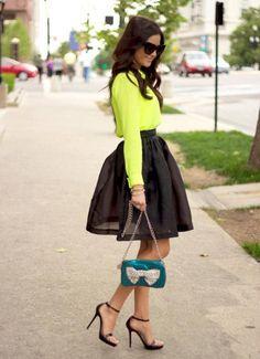 Summer o' clock! Dale un toque fresco a tu outfit con verde limón.