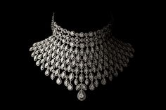Close Beautiful Diamond Necklace On Black Indian Jewelry Earrings, Indian Jewelry Sets, Fancy Jewellery, Stylish Jewelry, Bridal Jewelry Sets, Diamond Jewellery, Bridal Jewellery, Diamond Choker Necklace, Bridal Necklace