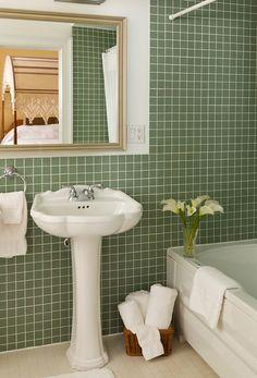 The en-suite bathroom of the Yellow Room at  the Brampton Bed and Breakfast Inn. #bramptoninn #bedandbreakfast