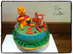 winnie and tigro cake