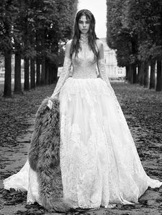 6618d17dce4 Vera Wang Fall 2018 Bridal Collection Vera Wang Bridal