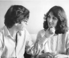 محمود درويش وزوجته حياة