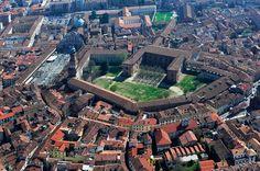 Vigevano, il capolavoro sforzesco - Repubblica.it Aerial View, Places Ive Been, Paris Skyline, Europe, Italy, Eagle Eye, World, Travel, Trekking