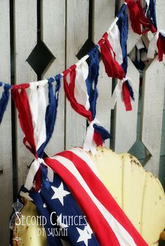 DIY - Fourth of July - Red White & Blue Bunting. I love the banner!