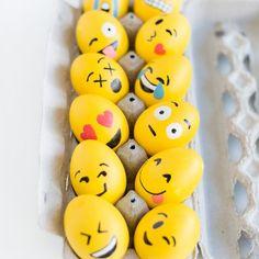 Ostereier einfach nur färben? Das kann ja jeder! Wir zeigen euch 3 ausgefallene Ideen für DIY-Ostereier, die alle beeindrucken werden...