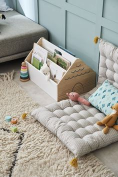 20 Neutral Bedroom Design and Decor Ideas to Add Simplicity and Charm to Your Bedroom - The Trending House Montessori Playroom, Baby Playroom, Baby Room Decor, Playroom Ideas, Montessori Toddler Bedroom, Playroom Closet, Playroom Storage, Montessori Baby, Toddler Rooms