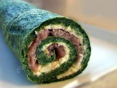 roulade with spinach 7 Spinach Rolls, Romanian Food, Culinary Arts, Ham, Sushi, Bacon, Good Food, Food Porn, Food And Drink
